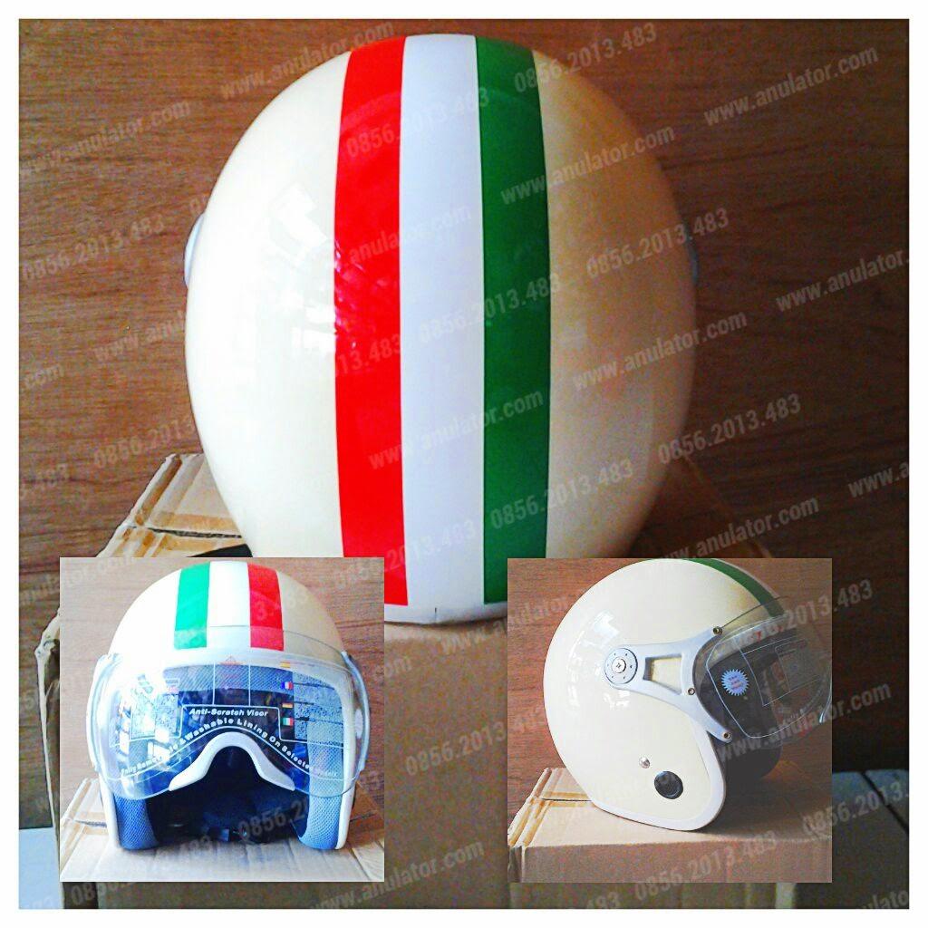 Helm Vespa Italian