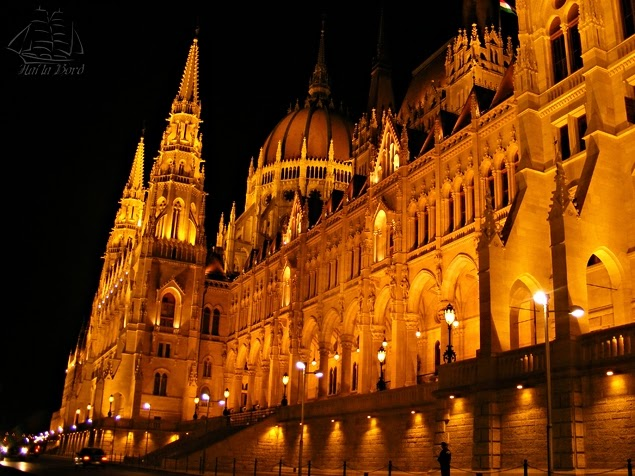 parlament budapesta noaptea