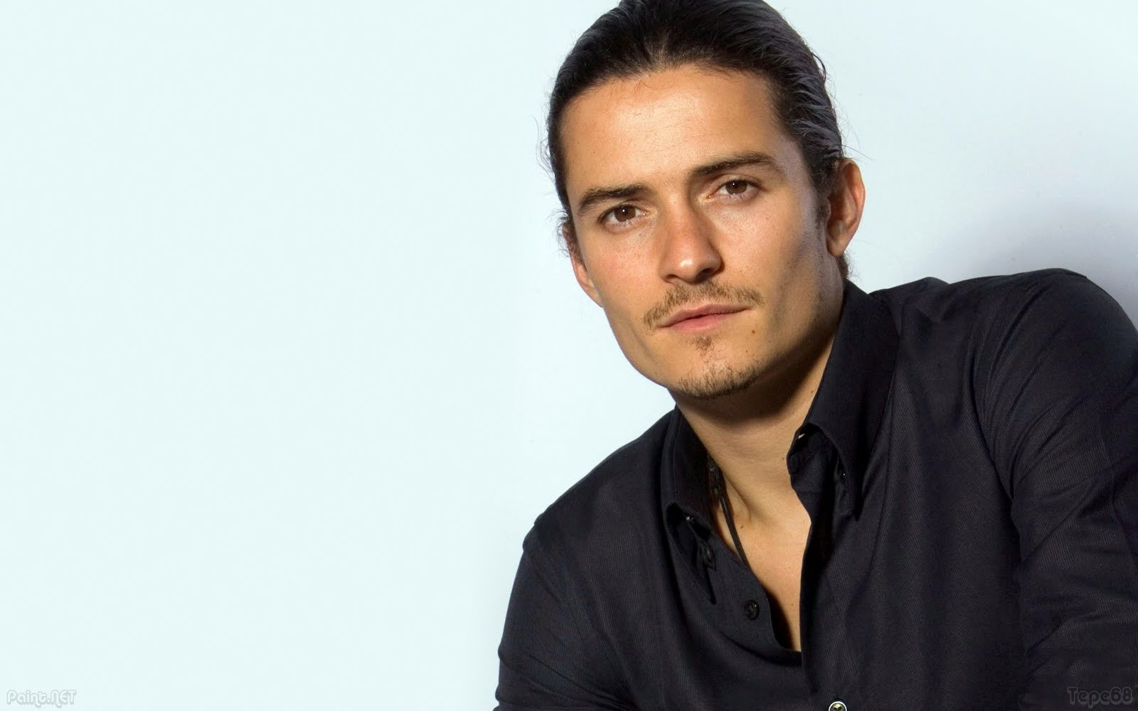 reses  English Actor Orlando Bloom Wallpapers