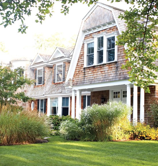 mix and chic home tour a beach house in the hamptons