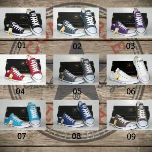 Koleksi Sepatu Converse dari bandung
