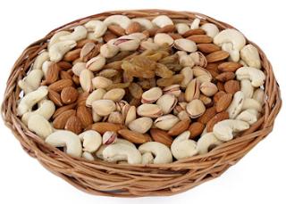 Askmebazaar : Get Kaju,Almond, Pista,Kishmish DryFruit Gift Basket And get Extra 40% off