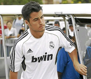 Sahin training with Real Madrid