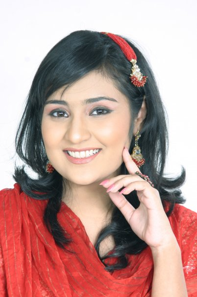 Celebrity Wall: Singer Sara Raza Wallpapers Latest/HD
