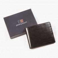 http://www.johnandscott.net/index.php/bifold-leather-wallet-with-coin-holder-4.html
