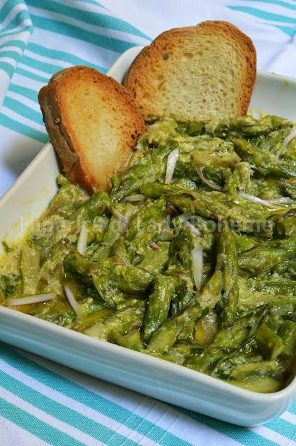 hiperica_lady_boheme_blog_di_cucina_ricette_gustose_facili_veloci_contorni_di_verdura_asparagi_con_salsa_di_uova_e_limone_2
