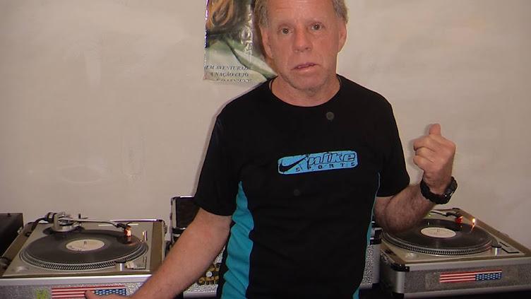 DJ CARLOS MAGINA AO VIVO TODAS AS TERCA E QUINTA FEIRA!