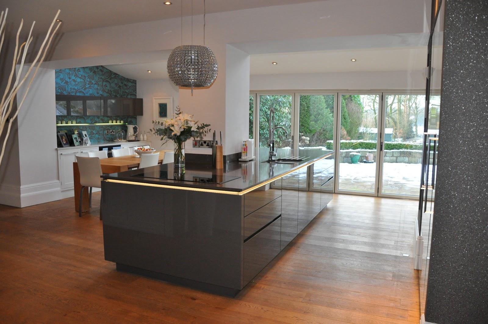 Elegant Mr Mrs Smallwood Designer Kitchen In Quartz Grey Gloss Lacquer With  Alno Satina