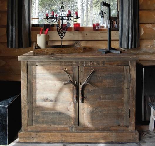 Boiserie c chalet tra tradizione e rinnovamento for Arredamento baita montagna