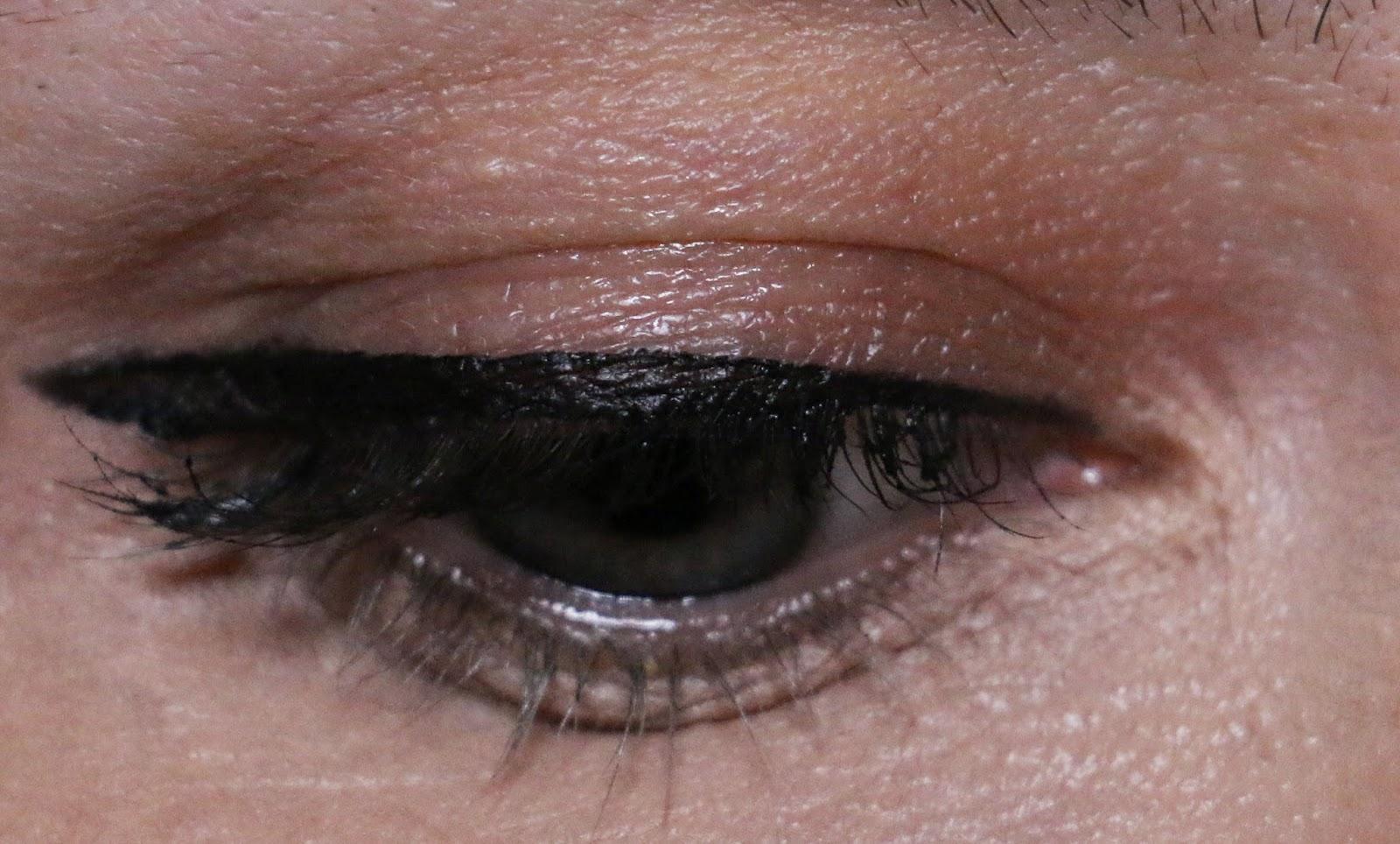 revlon -  watsons -  revlon türkiyede -  akmayan göz kalemi -  akmayan eyeliner - gel eyeliner - bulaşmayan eyeliner - simsiyah duran eyeliner - watsonsdan alınacaklar - revlon ülkemizde - revlon gel eyeliner