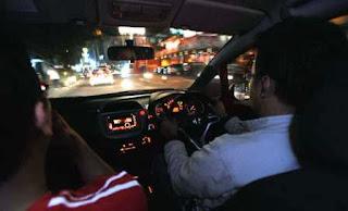 tips mengemudi di malam hari