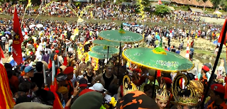 Suasana Parak Iwak 2015 di Sungai Serayu Banjarnegara