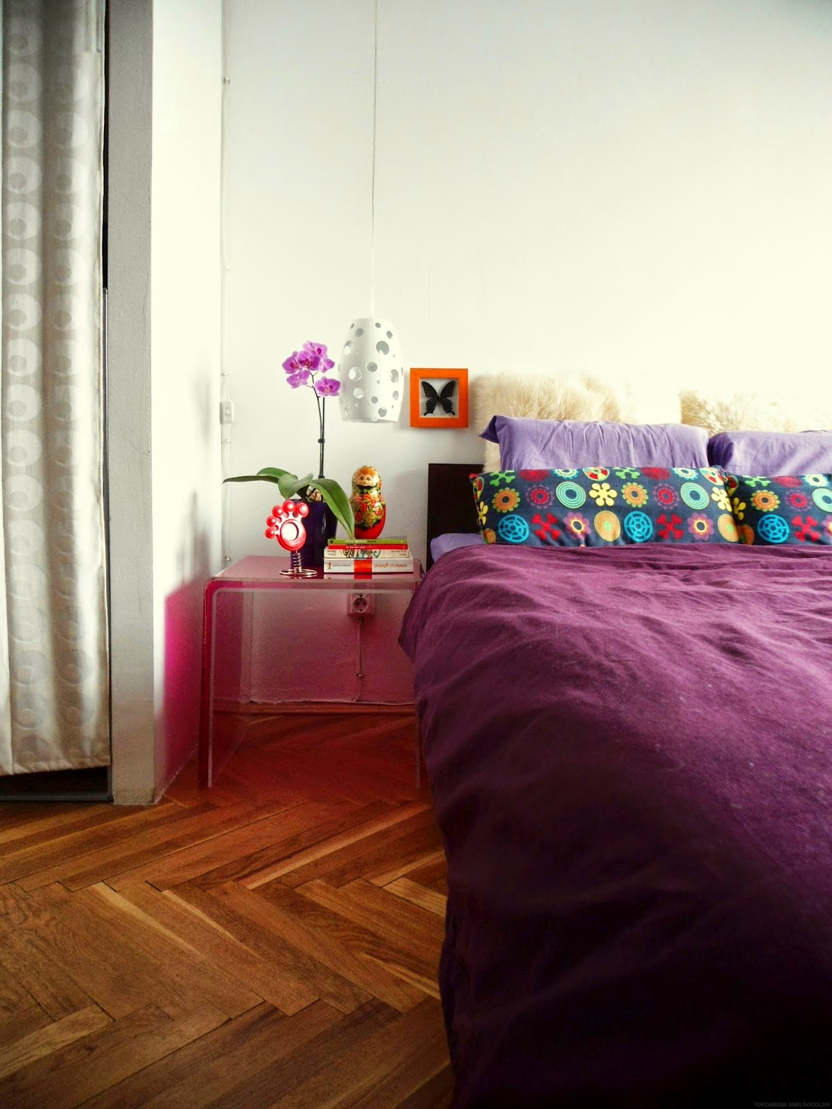 Decorate-your-Bedroom-With-Lavender-Flowers
