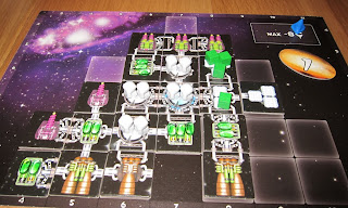 Galaxy Trucker - Natalie's 'Duracell' sponsored spacecraft