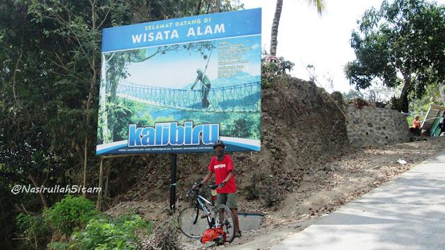 Tepat depan pintu masuk area Kalibiru