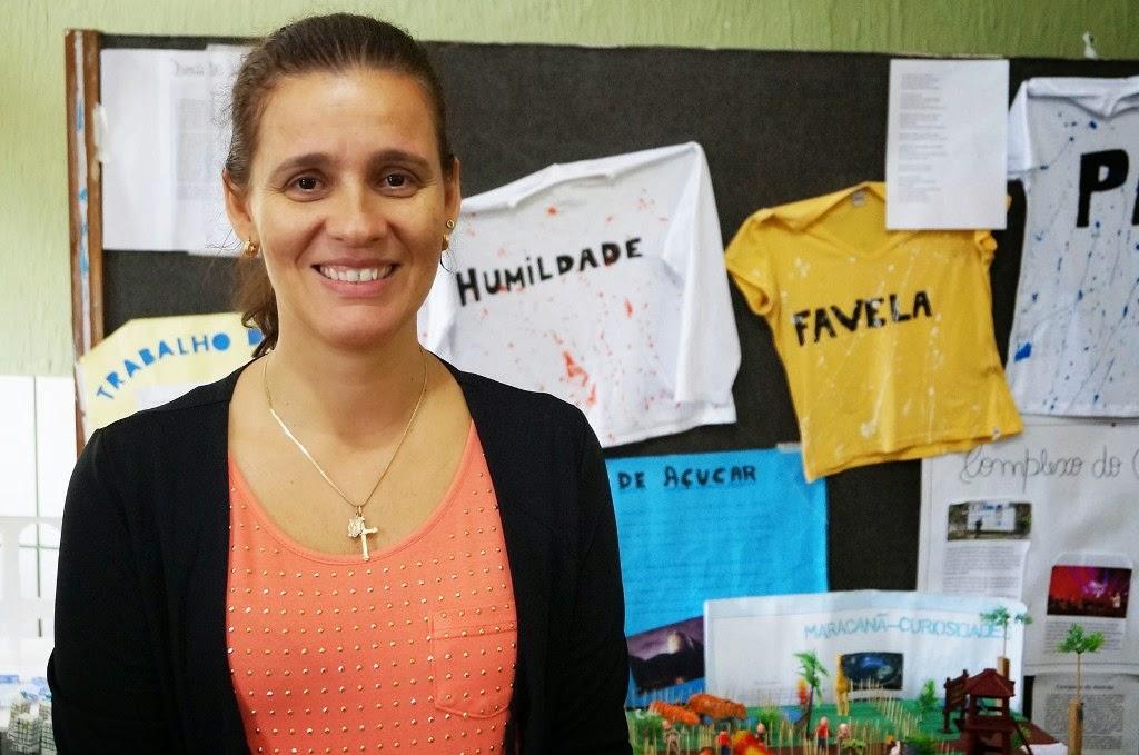 A auxiliar de direção Ana Paula Pimentel elogia a atuação do professor