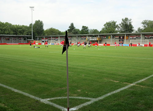 FC United of Manchester v Brackley Town.