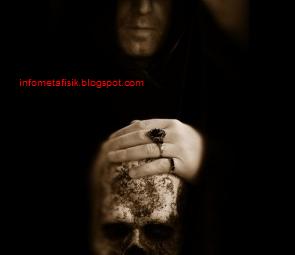Misteri Hooded, Makhluk Mengerikan Dari Kegelapan