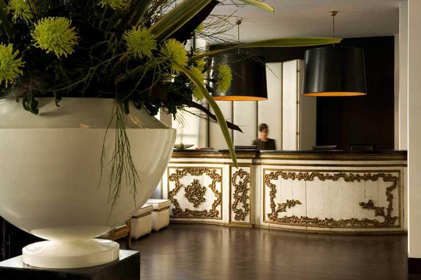 Aguamarina estudio l zaro rosa viol n for Design hotel lizum 1600