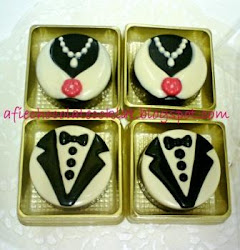 CHOC OREO COOKIES BRIDE & GROOM