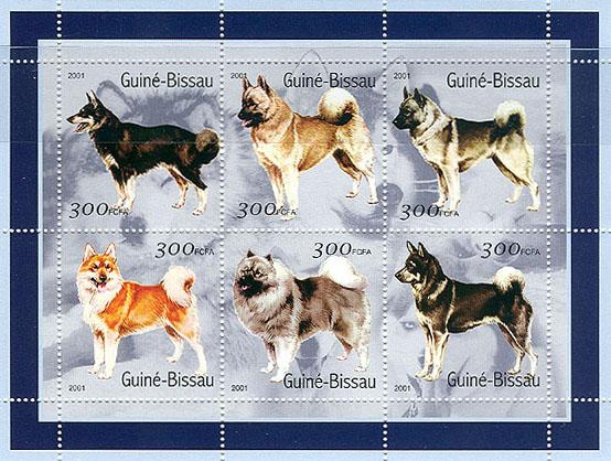 2001年ギニアビサウ共和国 カレリアン・ベア・ドッグ フィニッシュ・スピッツ ノルウェジアン・エルクハウンド 柴犬 キースホンド スウェーディッシュ・エルクハウンドの切手シート