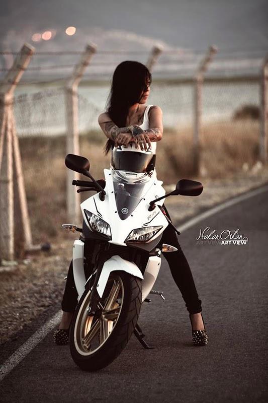 Snow Dirt Bike >> Fans Moto : FansMoto Biker Girl Riding YAMAHA R125