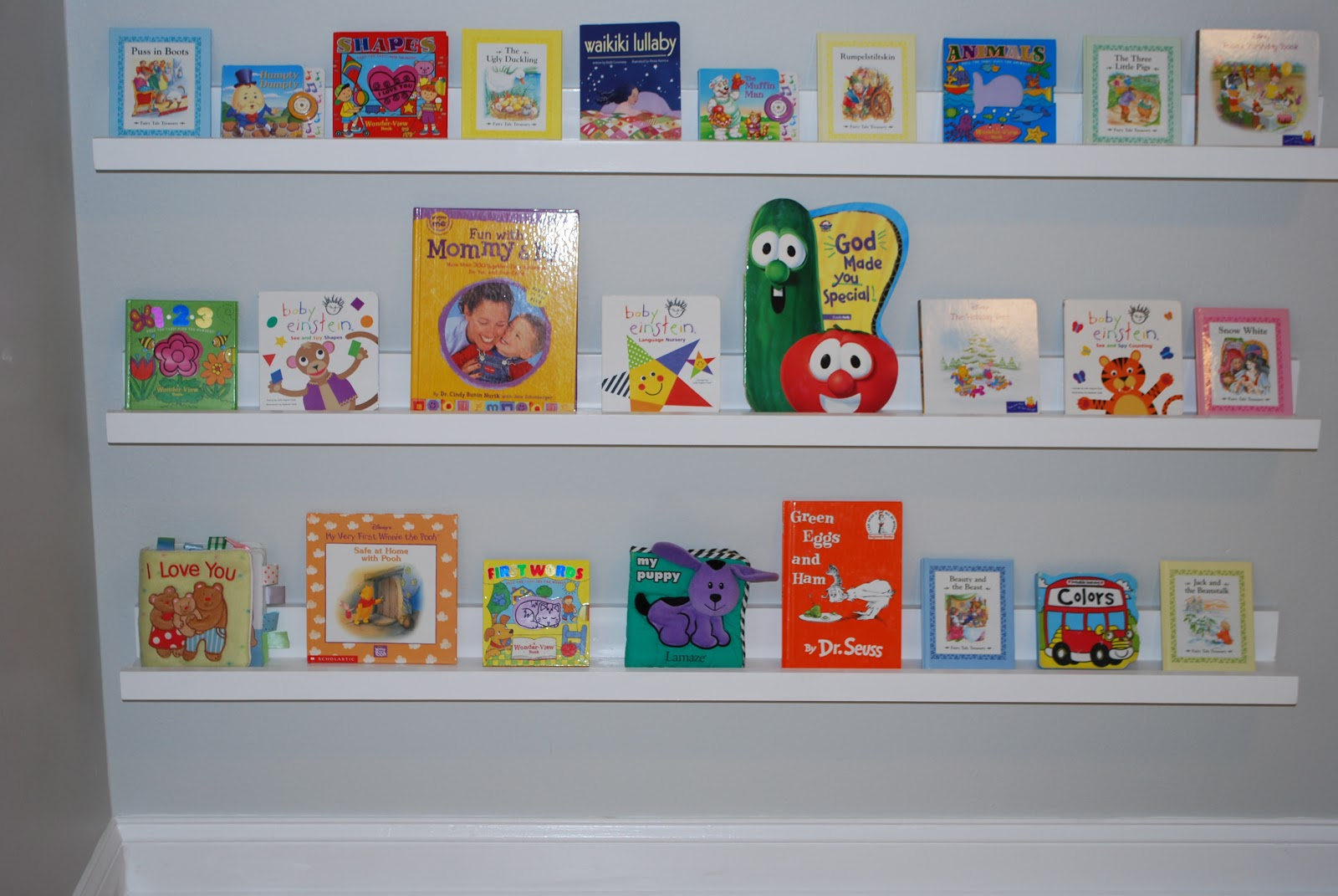 Nursery Room Book Shelves 1600 x 1071