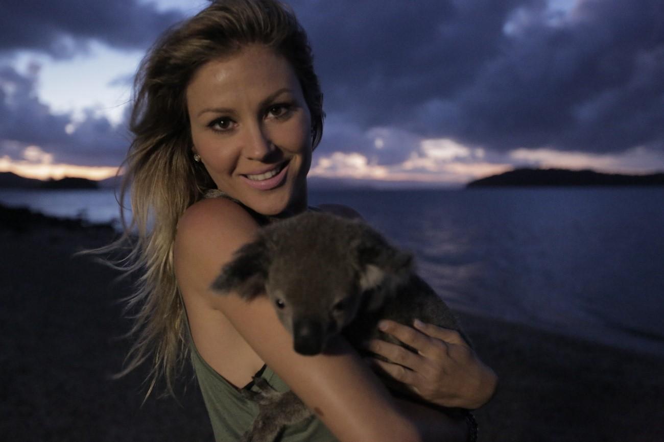 A modelo e apresentadora de TV Ellen Jabour apresenta uma nova série de  vídeos on-line produzida pelo Tourism Australia, órgão nacional de turismo  país, ... 047d3f8deb