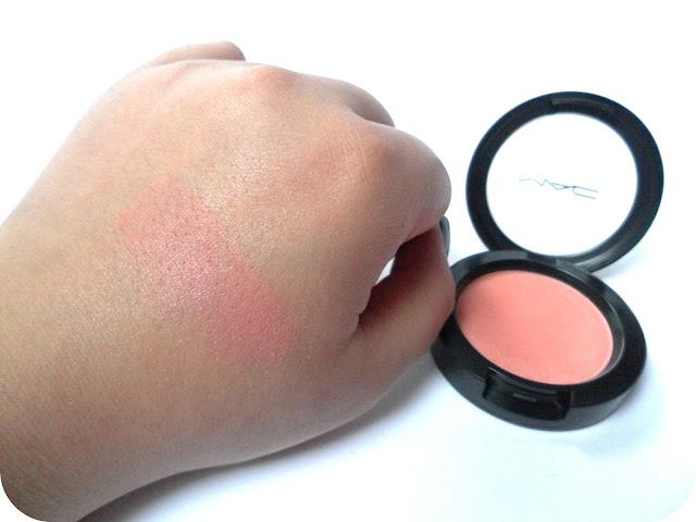A swatch of MAC Supercontinental Powder Blush