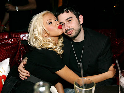 Hollywood: Christina Aguilera With Her Husband In Pictures ...: http://hollywoodallstarz.blogspot.com/2012/02/christina-aguilera-with-her-husband-in.html
