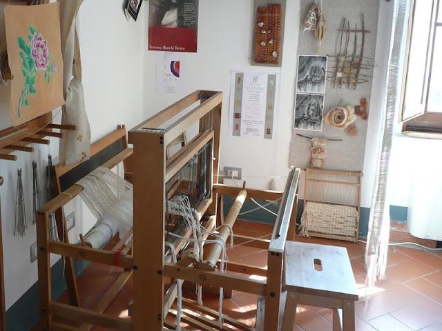 La bottega di Conservazione e restauro delle opere tessili di Concita Vadalà