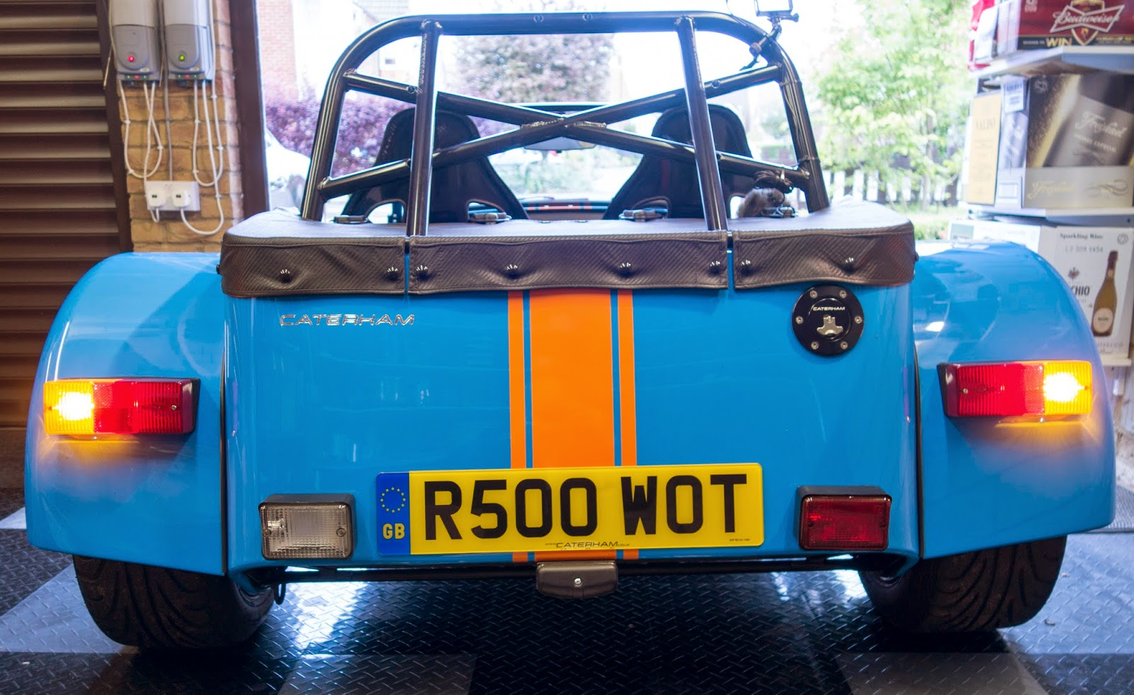 Standard rear indicators illuminated.