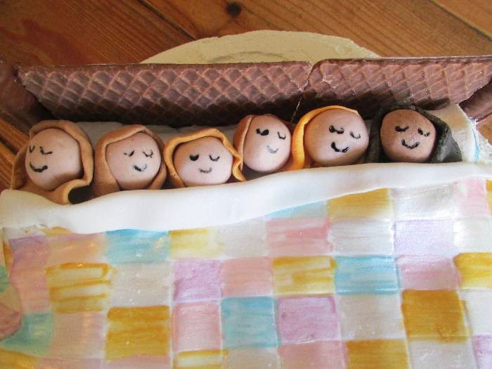 Great Fun Etc How To Make A Sleepover Birthday Cake Step By Step
