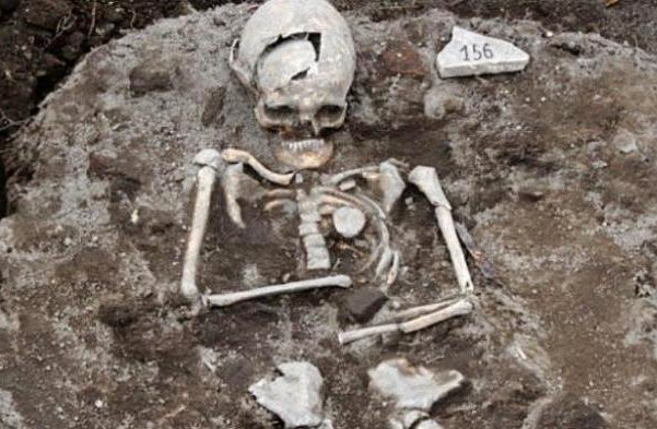 Sebuah Kerangka yang Diduga  'Vampir'  Ditemukan di Bulgaria