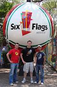 Six Flags Mexico Oficial compartió el álbum de Six Flags Mexico.
