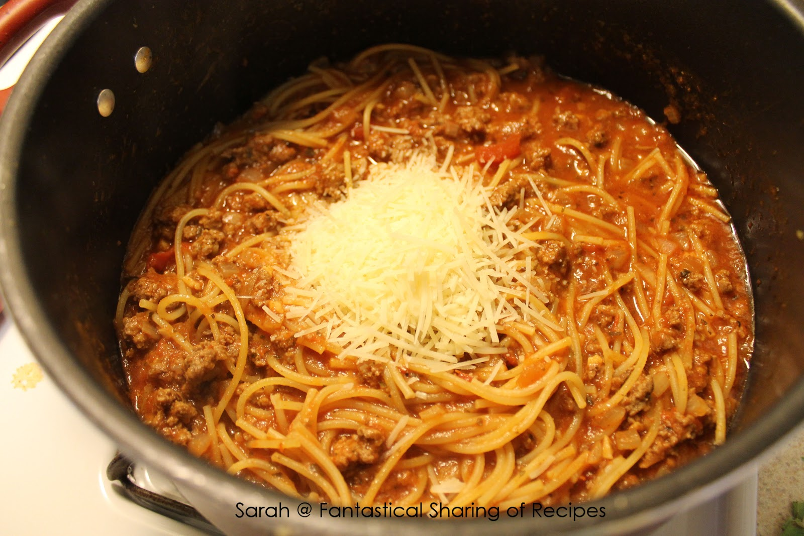 fantastical sharing of recipes one pot spaghetti. Black Bedroom Furniture Sets. Home Design Ideas