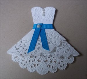 Paper Paws Etc Doily Dress Folds Tutorial