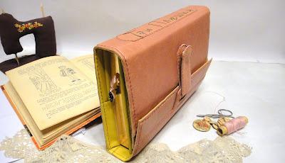 Бизнес ежедневник: а5, съемная обложка с запахом, название компании - розовый блокнот, подарок коллеге