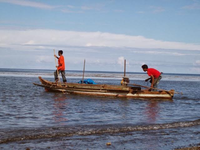 Tambang Membunuh Bagan Ikan Teri di Teluk Buli