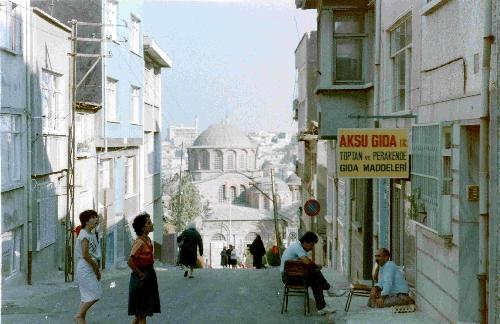 Street Scene, Istanbul, Turkey jamestravelpictures.blogspot.com
