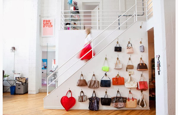 C mo organizar tus bolsos a todo confetti blog de for Percheros para colgar bolsas