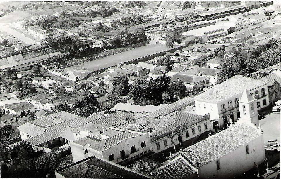 Vista aerea Igreja do Rosario e Campo do América de Barbacena MG