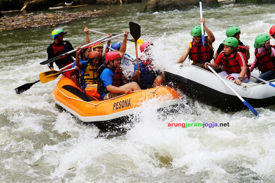 Paket Rafting Sungai Progo Bawah
