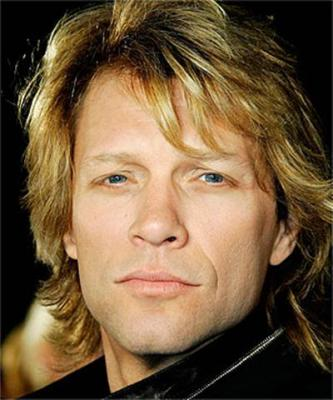 The 55-year old son of father John Francis Bongiovi and mother Carol Sharkey, 175 cm tall Jon Bon Jovi in 2017 photo