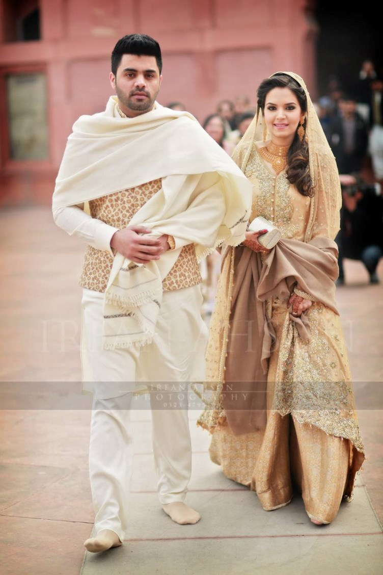 Top 10 white and cream Pakistani bridal dress