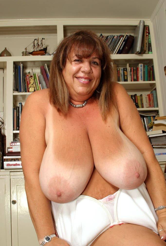 Bbw mom boobs