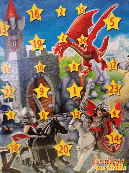 If I were a dragon ... I would look like this .. - Page 4 Playmobil+advent+calendar+dragon+knights+castle
