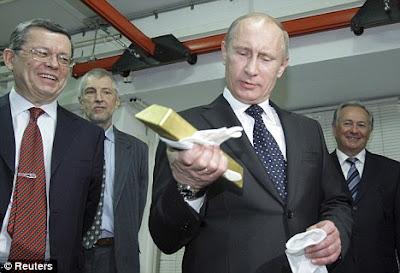 Долгие годы Путин работал над различными способами, чтобы замаскировать свое богатство