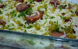 Foto do arroz com lentilha pronto para consumo