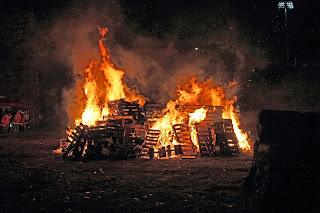 Bonfire_at_Scranton_Iron_Furnaces_Oct_18_2014